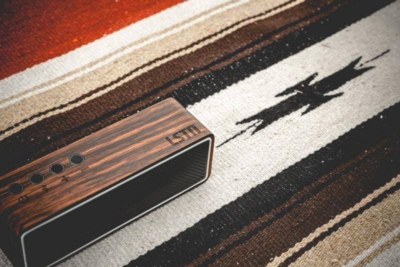 Az LSTN első Bluetooth hangszórója