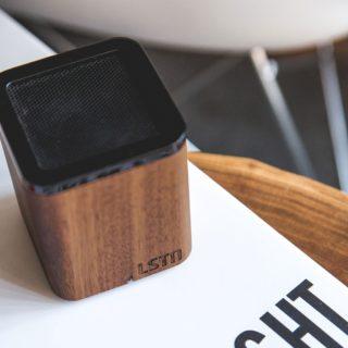 LSTN Satellite Bluetooth Hangszóró Diófából